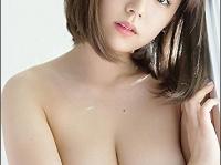 ※イメージ画像:篠崎愛写真集『結晶』講談社
