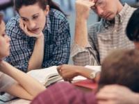 恋人がいても「非リア」だと感じている大学生は約6割「ほかに友達がいない」