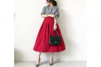 真っ赤なタフタスカートは、目立ち度100% #東京365日コーデ