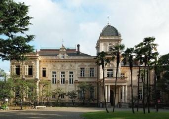 旧岩崎邸庭園(「Wikipedia」より)