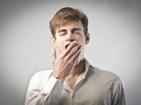 欠伸はどうして伝染する?(depositphotos.com)