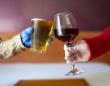 お酒を飲むと新型コロナの感染リスクが高まる4つの理由(アメリカ)