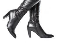 ブーツの季節の足のニオイ対策は?(depositphotos.com)