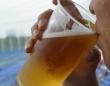 この1杯のビールが売られる裏側には、知られざるオキテとバトルが!?