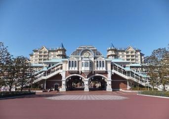 東京ディズニーランド・ステーション駅(「Wikipedia」より)