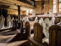 白いマントを被った幽霊が大量に?世にも恐ろしい教会「聖ジョージ教会」とその呪われた歴史(チェコ)