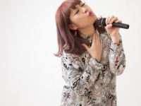 歌うときはぶりっこも許される?! 男子大学生がカラオケで恋に落ちた女子の行動9選