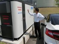 ホンダと岩谷産業が共同開発した、太陽光発電を使った水素ステーション