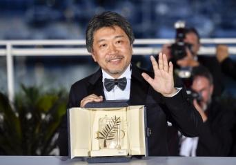 『万引き家族』がカンヌ映画祭で最高賞を受賞した是枝裕和監督(写真:新華社/アフロ)