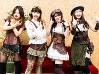 FATE GEAR(左からHaruka、Nico、Mina隊長、Erika)