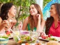 女子大生が語る、彼氏持ちだらけの女子会あるある8選「遠慮なくのろける」