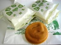 名物の阿闍梨餅(ekkunさん撮影、flickrより)