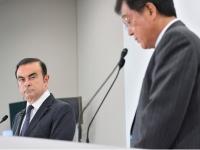日産自動車のカルロス・ゴーン社長と三菱自動車の益子修会長兼社長(東洋経済/アフロ)