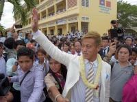 本田がカンボジア訪問 サッカースクール開設へ(写真:AFP/アフロ)