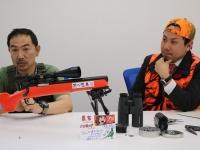 『これから始める人のための エアライフル猟の教科書』著者の東雲輝之さんと佐藤一博さん