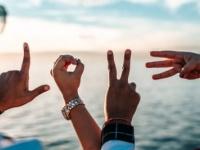 SNSを活用している人も! 友だちを増やす5つの方法