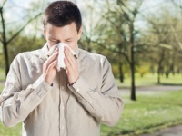 昨年に比べ今年は花粉の飛散量が多い!(depositphotos.com)