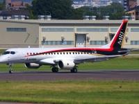 MRJ90飛行試験1号機(「Wikipedia」より)