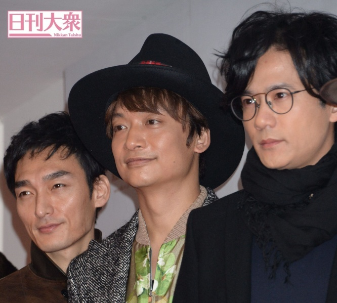 左から草なぎ剛、香取慎吾、稲垣吾郎