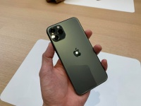 3眼カメラ搭載の「iPhone 11 Pro」をApple Parkで早速ハンズオン、背面の質感にほれぼれ