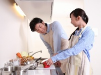 一緒に 料理すると夫婦仲が良くなる! キッチンの家事を分担するメリット3つ