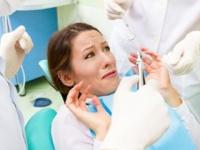 歯科恐怖症(デンタルフォビア)は大人にも多い(shutterstock.com)
