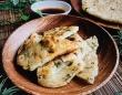 しっとりさくっと癖になるうまさ!台湾名物「葱油餅」の作り方【ネトメシ】