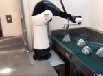 また人間の仕事が減る… 吉野家が食器洗浄工程にロボットを導入!
