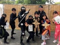 ショーで活躍する忍者たち(提供=日本忍者協議会)
