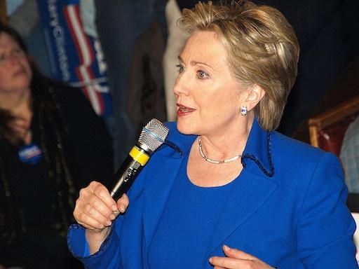 ヒラリー・クリントン氏が米大統領になれば戦争がなくなる?