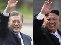 韓国の文在寅大統領(左)と北朝鮮の金正恩朝鮮労働党委員長(右)(写真:AP/アフロ)
