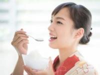 かき氷を食べたときに起きる頭痛の正体は?(shutterstock.com)