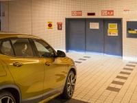大都市圏に住む者にとって、立体駐車場に停めることのできる全高1550mm以下のクルマかどうかというのは、非常に重要な意味を持つ。