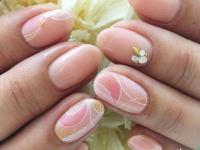"""秋冬のピンクネイルは、""""渋色合わせ""""で季節感を出して"""