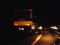 夜勤明けの運転は「走る凶器」!? タカサン/PIXTA(ピクスタ)