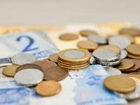 貯金以外の資産運用をしている社会人は2割弱! 一番人気は「投資信託」