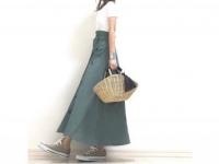 マストバイのトレンチ風スカートは、白Tでスッキリまとめるのが正解 #東京365日コーデ