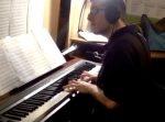 鳥肌モノ。 『ハウルの動く城』の曲をアレンジしたピアノ演奏が美しすぎる。