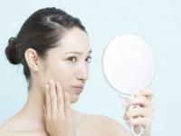 鼻の下にニキビができる原因は? 皮膚科医が教える治し方
