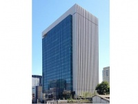 日本製紙本社が入居する御茶ノ水ソラシティ(「Wikipedia」より)