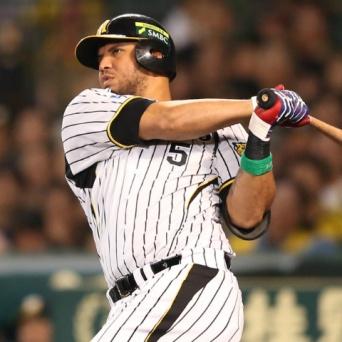"""昨季は盗塁ゼロのゴメスが、今季は積極的な走塁をみせている。これも""""超変革""""だ!"""