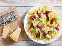 粉チーズが目当てでパスタを食べる?(depositphotos.com)
