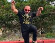 「ドラゴンボール超」の亀仙人そっくりと話題の筋骨隆々なベトナム人ボディービルダー男性