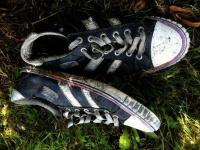 ボロボロの靴でからかわれていた少年に素朴な疑問を持った少女、その理由を聞いてある行動に(アメリカ)