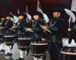 スイス「トップ・シークレット・ドラム・コー」の素晴らしい演奏スタイルを見てみよう!