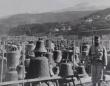 戦時中、兵器を作る材料として集められた教会や市庁舎の鐘の保管場所「鐘の墓地」