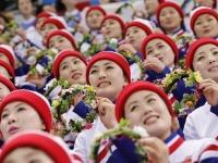 平昌冬季五輪・北朝鮮の「美女応援団」(ロイター/アフロ)