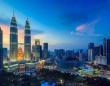 マレーシアの首都、クアラルンプールの夕暮れ(Thinstock/Photo by f11photo)