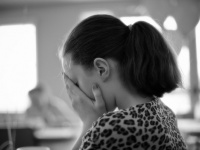 """""""梅毒""""が若い女性の間で増えている Photo by Jordan Sarkisian"""