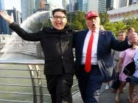 一足お先に米朝首脳会談 そっくりさんがシンガポール入り(写真:AFP/アフロ)